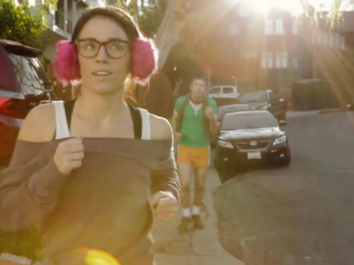 """S1E3 """"Hipsters Jogging"""""""